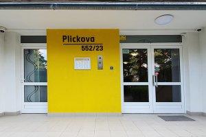 Moderní panelový dům Plickova 23, Praha