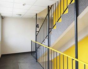 Nové schodiště panelového domu
