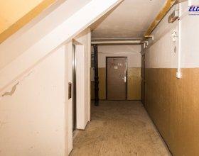 Starý suterén u výtahu