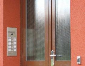 Vstupní panel domovních  telefonů s kamerou, čtečka čipů